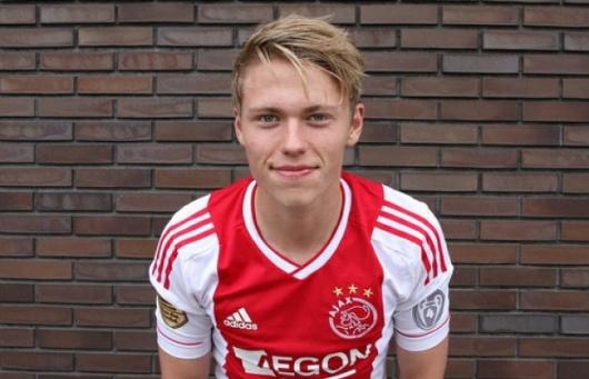 Viktor Fischer - sumber: sofoot.com